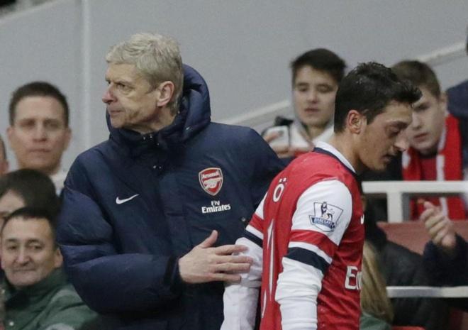 Arsenal dang mac ket voi 'ngoi sao nua mua' Mesut Oezil hinh anh 1
