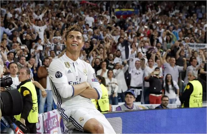 The gioi coi chung, Ronaldo da 'cua sung lam nghe' thanh cong hinh anh 1