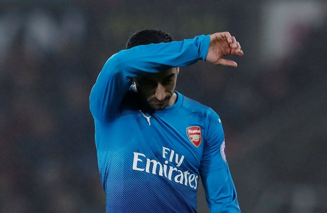 Mkhitaryan co the roi le lan nua o Arsenal hinh anh