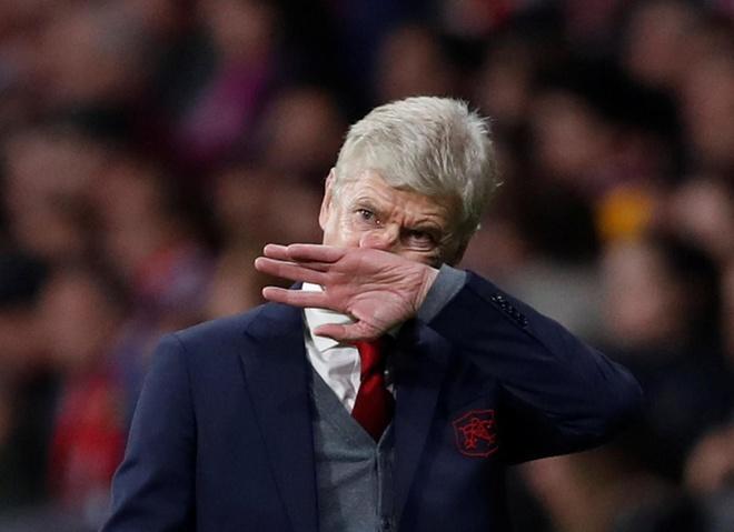 Moi ngay Wenger o lai Arsenal la moi ngay lang phi hinh anh