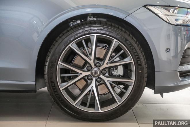Volvo S90 T5 Momentum ra mat tai Malaysia, gia hon 80.000 USD hinh anh 8