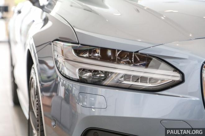 Volvo S90 T5 Momentum ra mat tai Malaysia, gia hon 80.000 USD hinh anh 7
