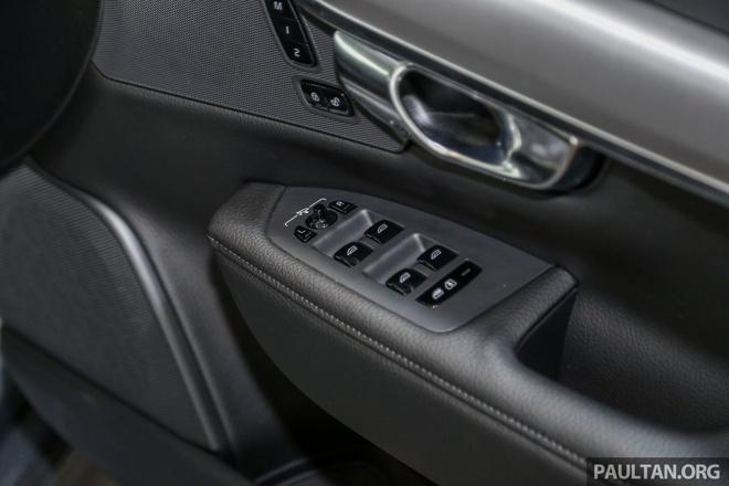 Volvo S90 T5 Momentum ra mat tai Malaysia, gia hon 80.000 USD hinh anh 11