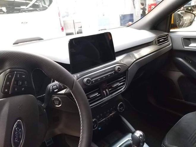 Ford Focus ST 2019 lo kieu dang the thao va ham ho hon hinh anh 5