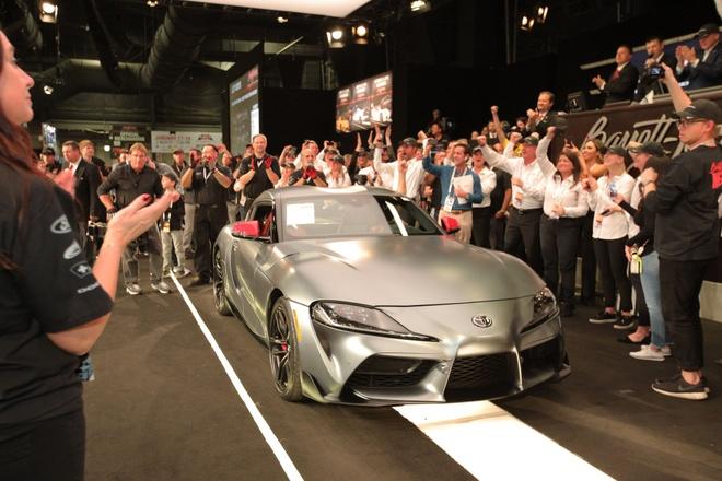 2,1 trieu USD cho chiec Toyota Supra 2020 dau tien tren the gioi hinh anh