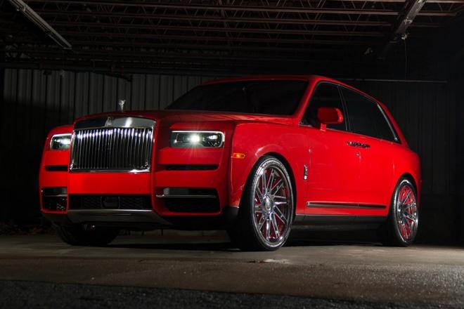 Rapper tang sinh nhat vo chiec Rolls-Royce Cullinan mau do doc nhat hinh anh 1