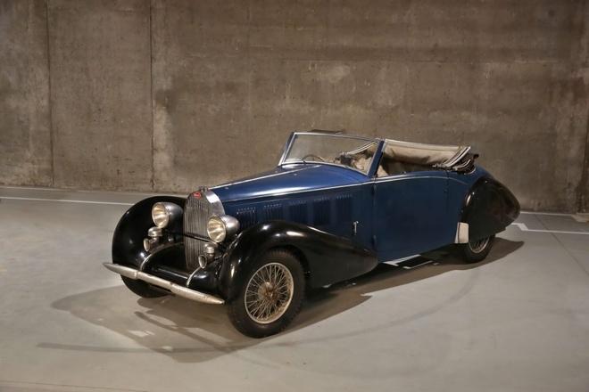 Bo suu tap Bugatti co gia trieu USD bi giau hang thap ky hinh anh 3