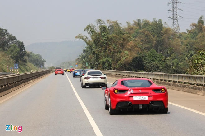Sieu xe Ferrari 488 GTB cua ca si Tuan Hung sap tai xuat sau tai nan hinh anh 3