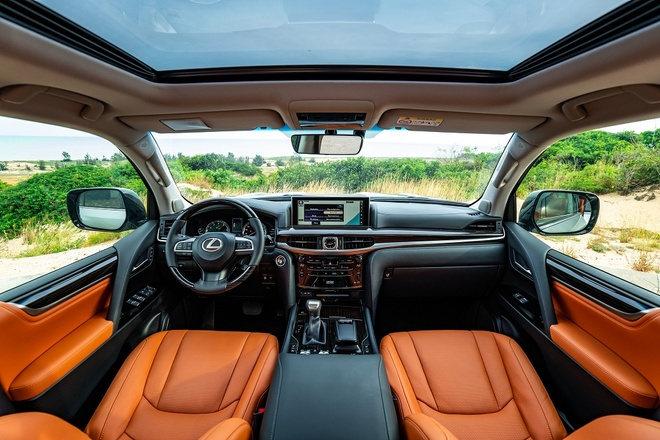 Lexus LX 570 2020 chot gia 8,34 ty tai Viet Nam hinh anh 2