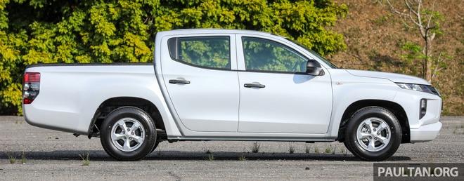 Mitsubishi ra mat Triton ban gam thap tai Malaysia hinh anh 2