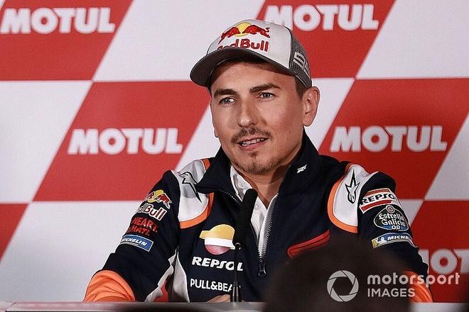 Tay dua 3 lan vo dich MotoGP Jorge Lorenzo tuyen bo giai nghe hinh anh 1