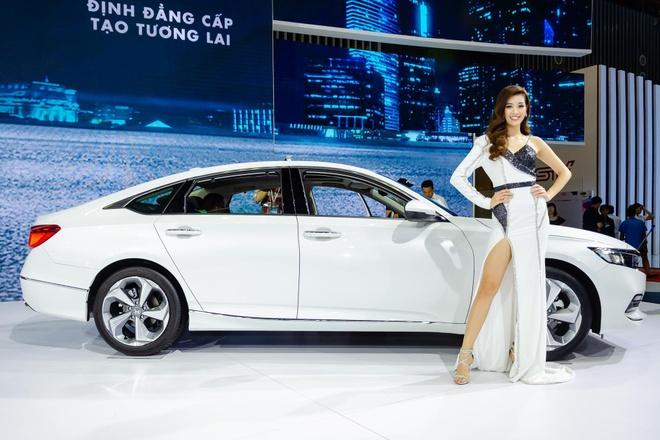 Vua tro lai, Honda Accord vuot mat Mazda6 trong phan khuc xe hang D hinh anh
