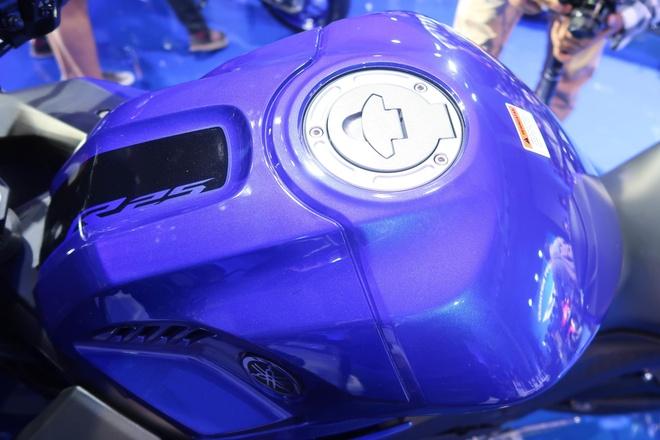 Yamaha YZF-R25 2020 ra mat, nang cap nhe thiet ke, them mau moi hinh anh 6 2019YamahaYZFR2514_1.jpg