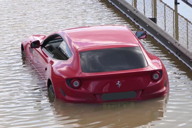 Sieu xe Ferrari bi ngap anh 1