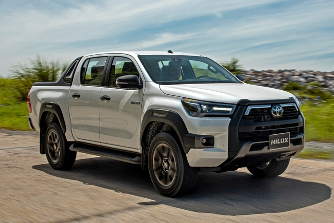 Toyota Hilux 2020 ra mat Viet Nam anh 1