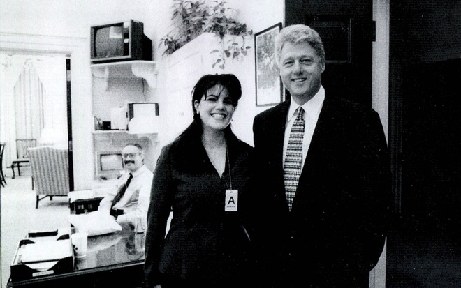 Sau 20 nam, co thuc tap Monica Lewinsky cua Bill Clinton gio ra sao? hinh anh