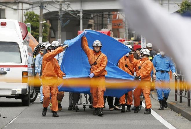 13 hoc sinh tieu hoc bi dam trong vu xa dao nghiem trong o Tokyo hinh anh 2