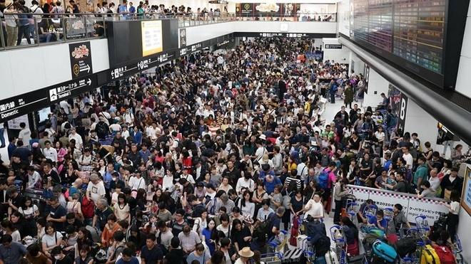 13.000 khach mac ket qua dem o san bay Tokyo do bao Faxai
