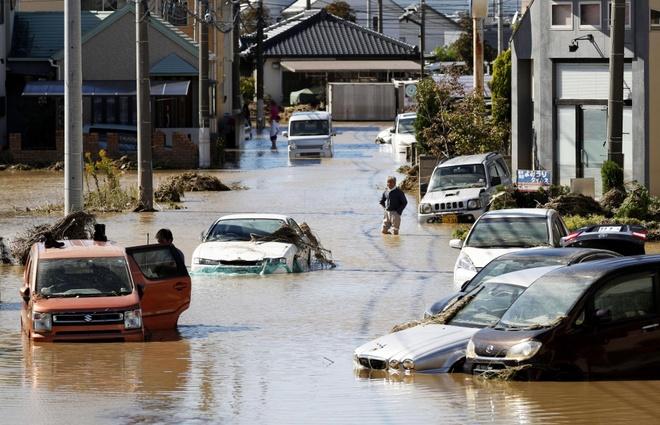Giải cứu 9 người Việt mắc kẹt ở Fukushima trong siêu bão Hagibis