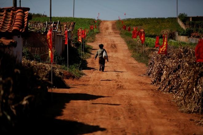 Trieu Tien khan hiem luong thuc, 10 trieu nguoi bi anh huong hinh anh 2 download_(3)_TT_Reuters_2.jpg