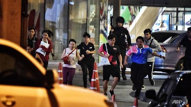 1 thu pham, 4 dia diem, 29 nguoi chet - vu xa sung rung dong Thai Lan hinh anh 5 thailand_shooting_5_AFP.jpg