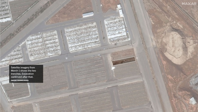 Ảnh vệ tinh ngày 1/3 cho thấy hai rãnh đất dài. Ảnh: Maxar Technologies.