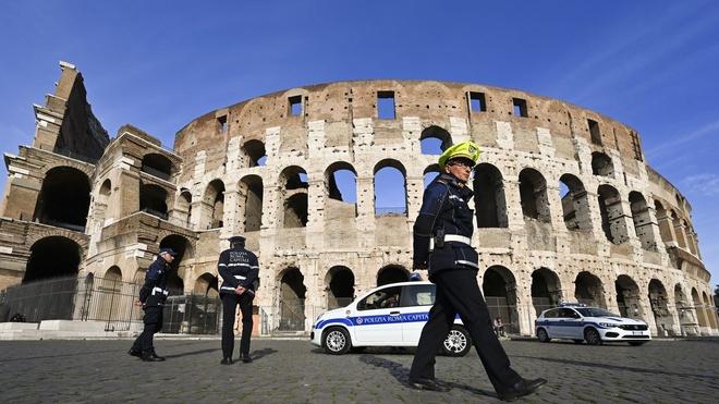 Tạm ngừng nhập cảnh với khách nước ngoài từ 27 nước châu Âu