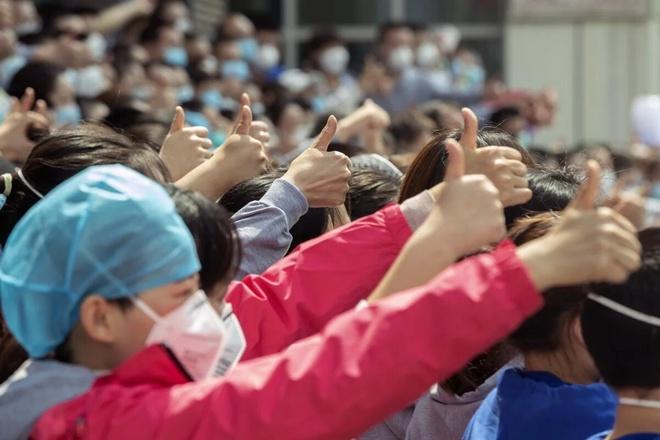 """三天无声无息,武汉的""""对世界充满希望""""图片1 609cdfde_6a48_11ea_9de8_4adc9756b5c3_image_hires_153946_Xinhua.jpg"""