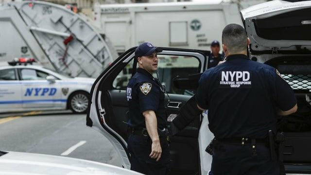 500 canh sat New York nhiem virus, 11% quan so nghi om hinh anh 1 nypd_102718getty.jpg