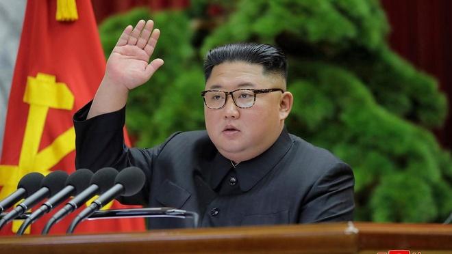 Ro tin don ve suc khoe ong Kim Jong Un sau phau thuat hinh anh 1 39567894_8931_4bba_b190_c15bff7b6911_large16x9_AP20001135115878.jpg