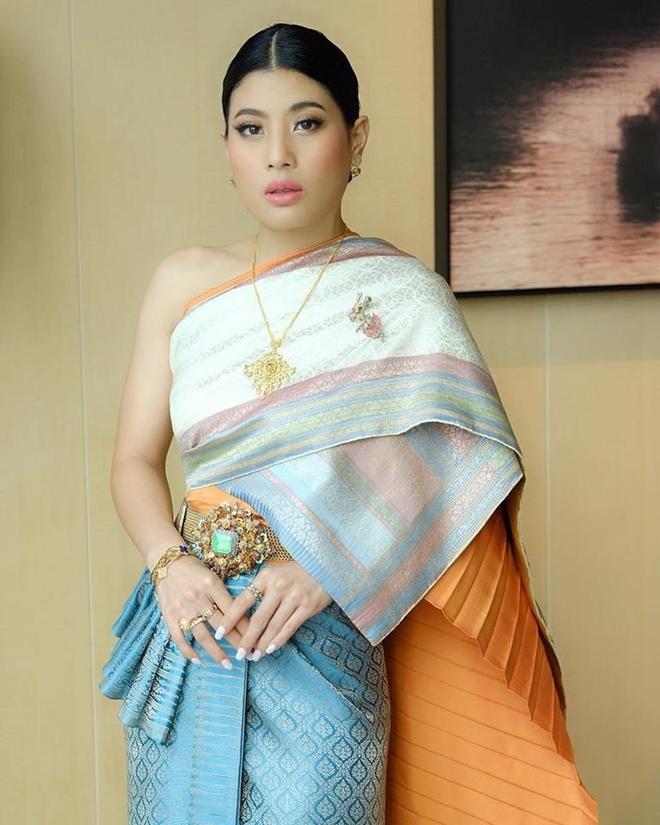 Cong chua Thai va phong cach thoi trang noi bat nhu fashionista hinh anh 6