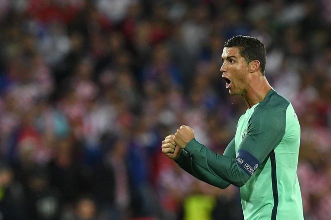 Ket qua Euro: Lewandowski, Bale va Ronaldo vao tu ket hinh anh