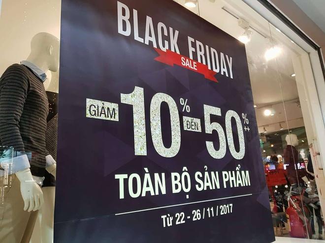 Black Friday: Giam gia 50% nhung khach hoi mua thi khong co hang hinh anh