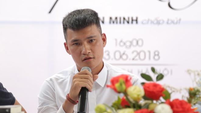 Le Cong Vinh: 'Toi khong khang dinh HLV Le Thuy Hai nhan tien' hinh anh