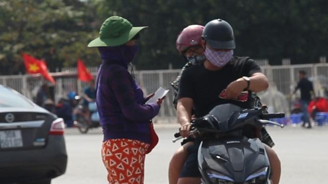 Ve 'cho den' giam nhiet truoc tran dau Viet Nam vs Malaysia hinh anh