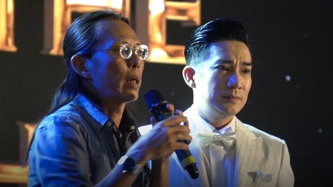 Dao dien live show Quang Ha: 'Cong suc cua chung toi bi dot het' hinh anh