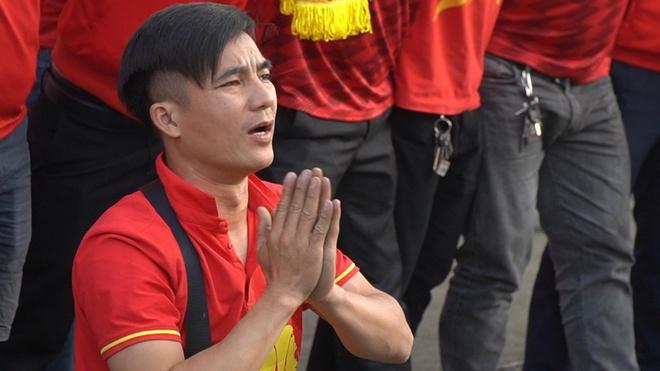 CDV lo lang truoc khi Tien Linh sut penalty hinh anh