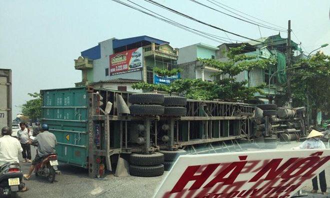 xe container de bep xe con o Nam Dinh anh 4