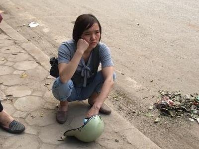 Mot ngay sau chay cho Quang: Tieu thuong trang tay, lam canh no nan hinh anh