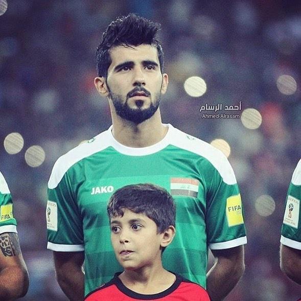 Doi truong U23 Iraq co ve ngoai lich lam, hut 600.000 fan tren mang hinh anh 2