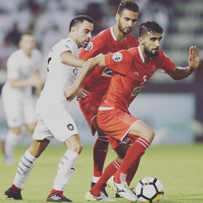 Doi truong U23 Iraq co ve ngoai lich lam, hut 600.000 fan tren mang hinh anh 5