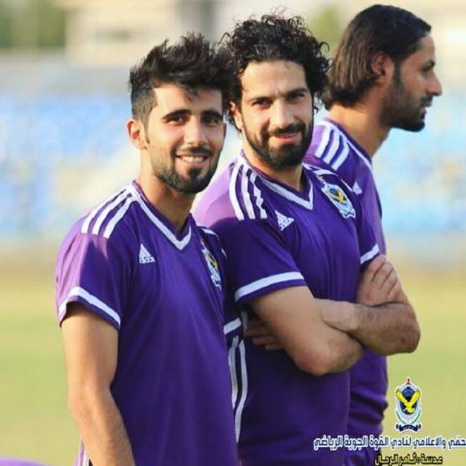 Doi truong U23 Iraq co ve ngoai lich lam, hut 600.000 fan tren mang hinh anh 6