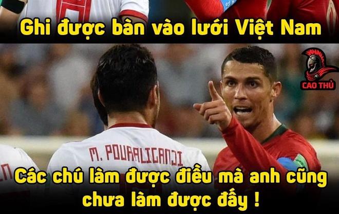 Anh che cau thu Iran gioi hon Ronaldo khi ghi ban vao luoi Viet Nam hinh anh