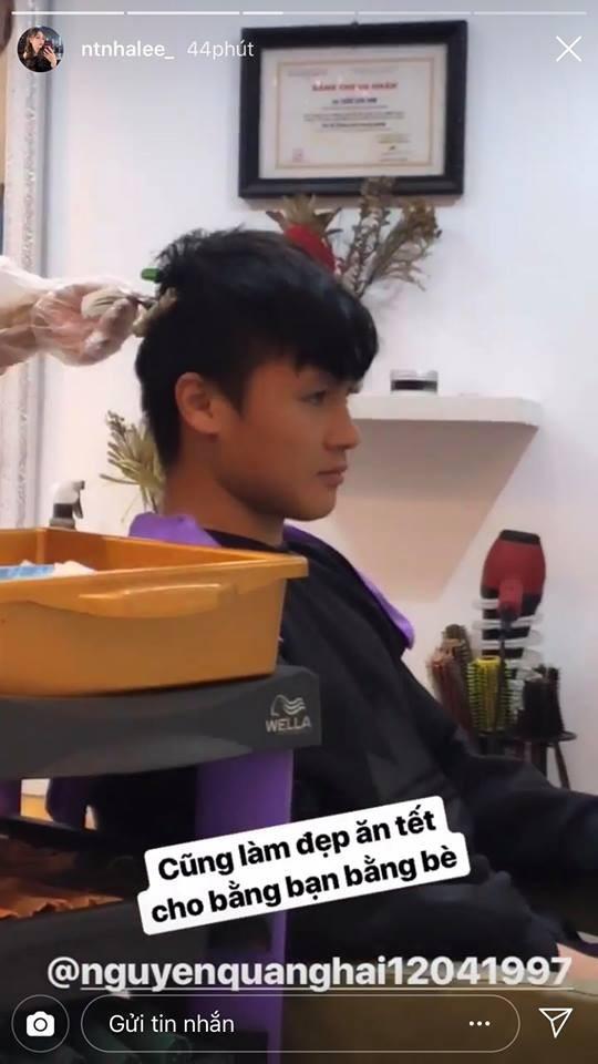 Quang Hai cung ban gai di lam toc don Tet ngay sau ngay ve nuoc hinh anh 2