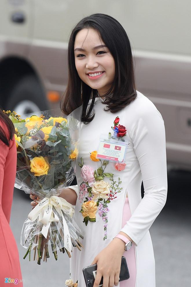 9X tang hoa Chu tich Tap Can Binh: 'Khong bao gio quen giay phut do' hinh anh 2