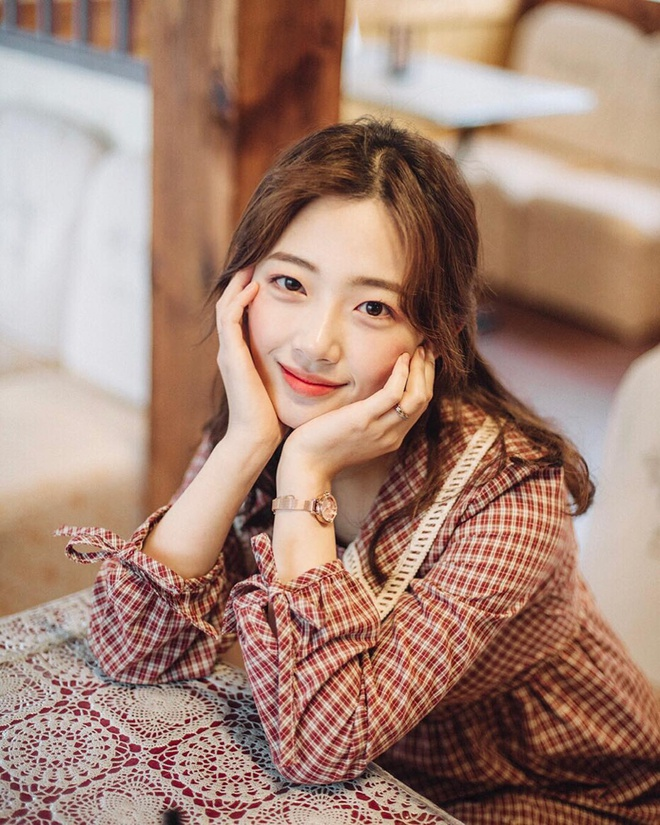 Nu sinh Han duoc khen la 'phep cong hoan hao' cua ca si Sulli va Suzy hinh anh 5