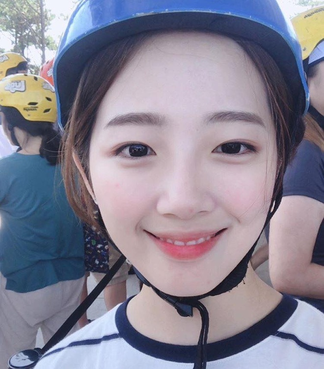 Nu sinh Han duoc khen la 'phep cong hoan hao' cua ca si Sulli va Suzy hinh anh 9