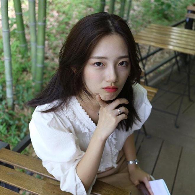 Nu sinh Han duoc khen la 'phep cong hoan hao' cua ca si Sulli va Suzy hinh anh 11