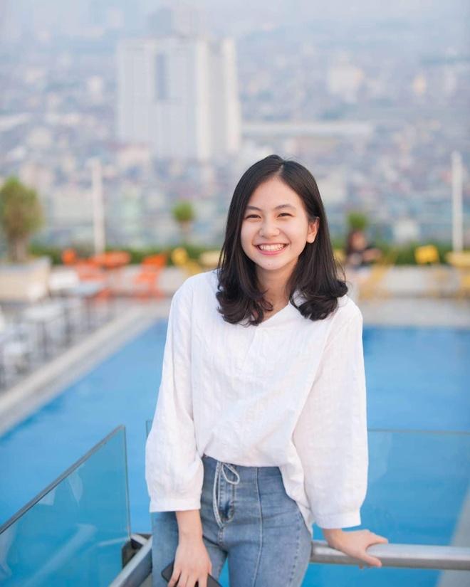 Hot girl anh the truong Y: 'Minh tu cham ban than duoc 5 diem thoi' hinh anh 3