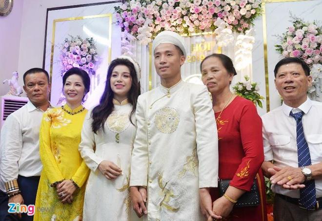 Khanh Linh - tu tinh yeu ngot ngao den vo sap cuoi cua 'Tu' Dung hinh anh 1